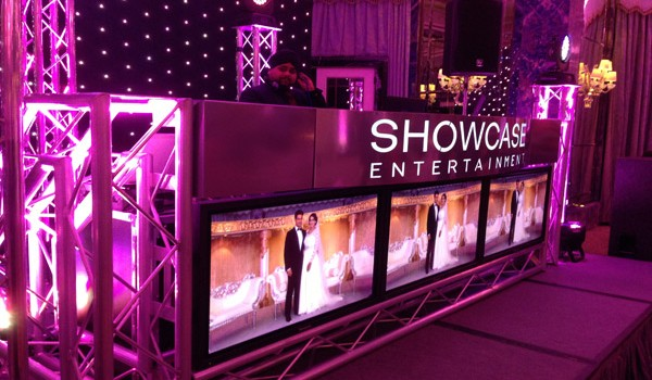 showcase-dj-booth